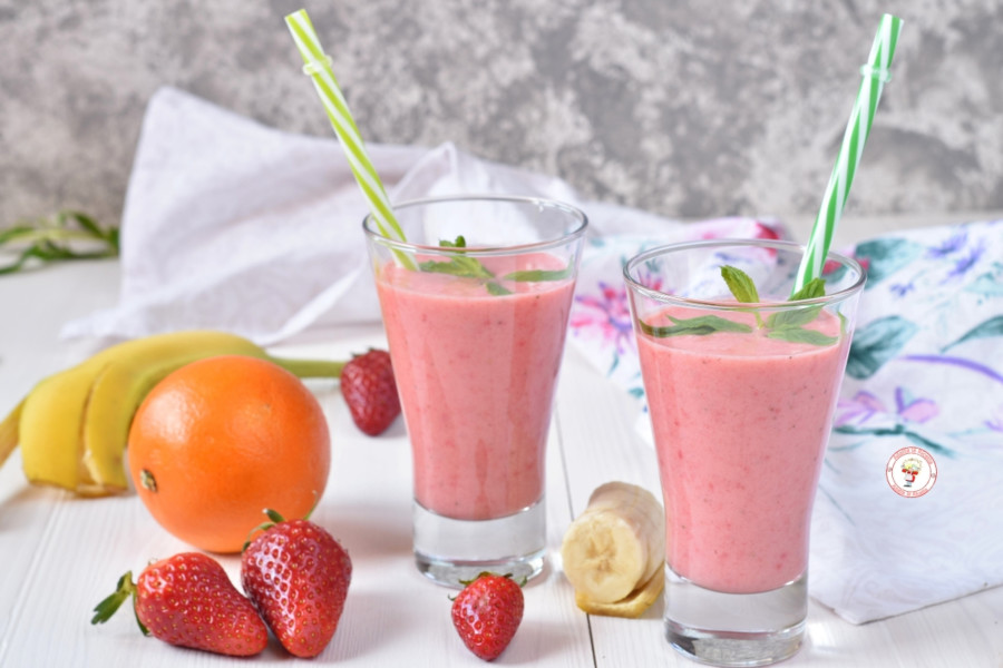 Frullato con yogurt e frutta